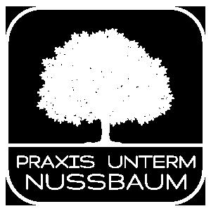 Praxis unterm Nussbaum